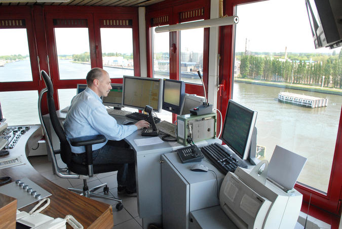 Scheepvaartbegeleiding - radarcentrale Zelzate